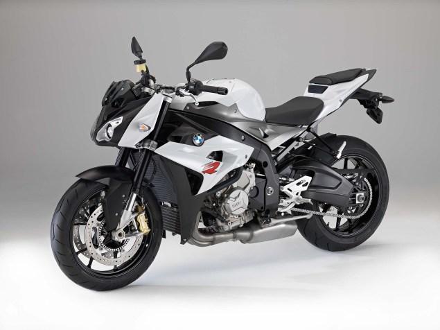 2014-BMW-S1000R-studio-07
