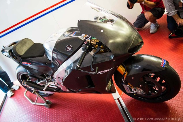 2014-Honda-RCV1000R-produciton-racer-motogp-Scott-Jones-02