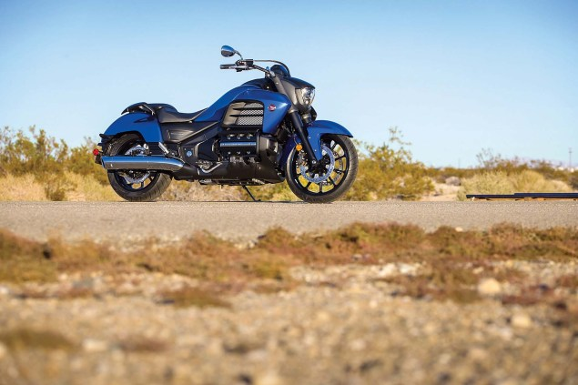 2014 Honda Valkyrie    Your Valhalla of Power Cruisers? 2014 Honda Valkyrie 10 635x423