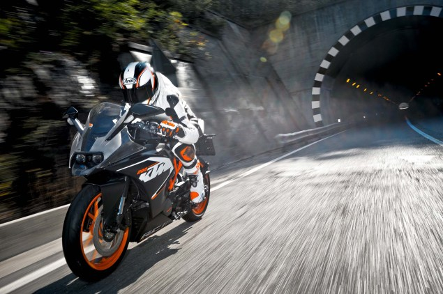 2014 KTM RC200 & KTM RC125    The More the Merrier 2014 KTM RC200 action 17 635x422