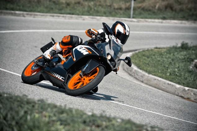 2014 KTM RC200 & KTM RC125    The More the Merrier 2014 KTM RC200 action 21 635x422