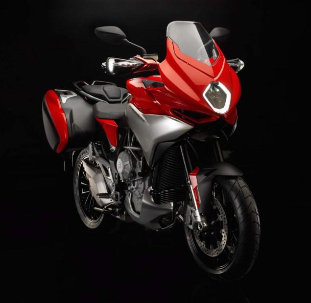MV Agusta Turismo Veloce 800   Stylish Sport Touring 2104 MV Agusta Turismo Veloce Lusso 800 04 635x618