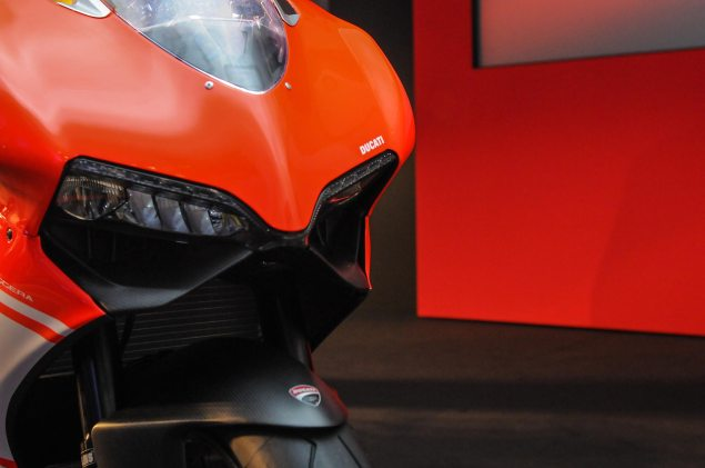 Video: An Intimate Look at the Ducati 1199 Superleggera Ducati 1199 Superleggera EICMA detail 35 635x421