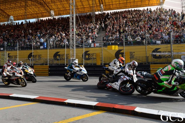 Were These the Luckiest Guys at the Macau GP? Macau GP crash 5 635x422