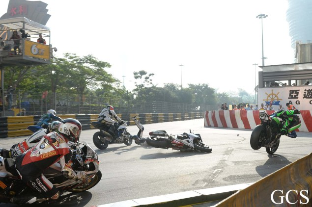 Were These the Luckiest Guys at the Macau GP? Macau GP crash 8 635x422