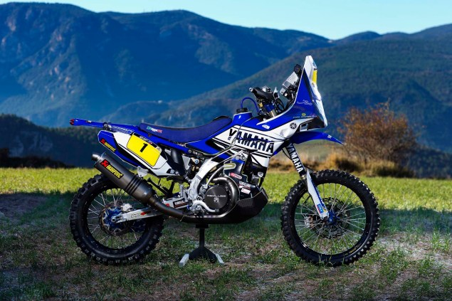 Photos: Cyril Despres & His Yamaha YZ450F Rally Race Bike Cyril Despres Yamaha YZ450F Rally still 02 635x423