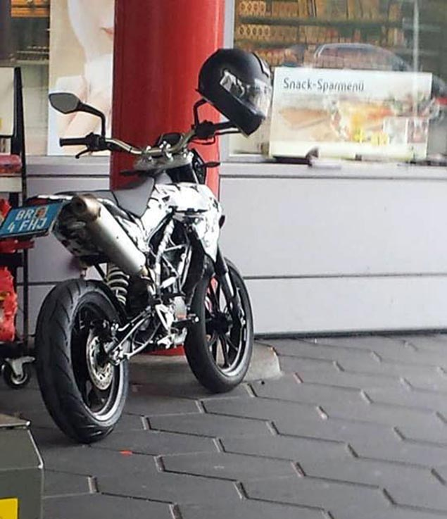 KTM 390 Duke Based Supermoto Spied Testing ktm duke supermoto spy photo