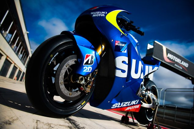 Video: Suzuki MotoGP 2013 Testing Goodness suzuki xrh 1 motogp test bike 635x423