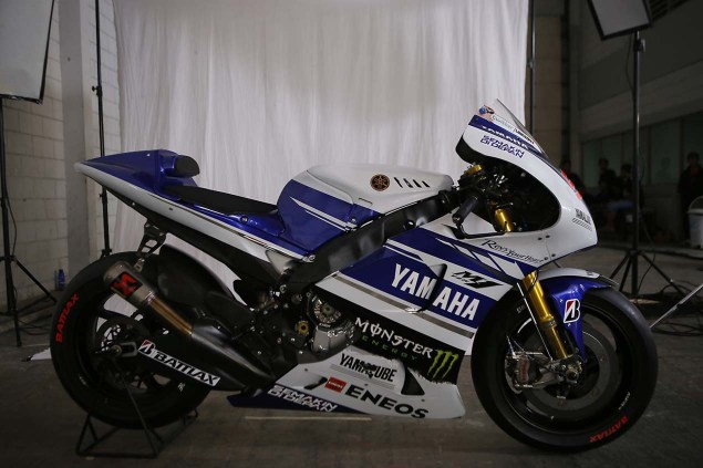 The 2014 Yamaha YZR M1 Breaks Cover in Indonesia 2014 Yamaha YZR M1 Livery 08 635x423