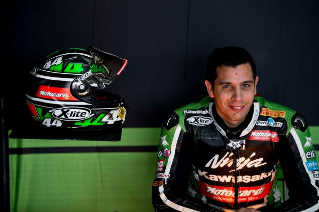 Kawasaki to Compete in 2014 World Superbike Evo Class  David Salom Kawasaki Ninja ZX 10R KRT 01 635x422