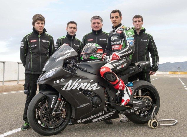 Kawasaki to Compete in 2014 World Superbike Evo Class  David Salom Kawasaki Ninja ZX 10R KRT 03 635x468