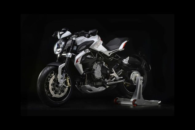 Official Photos of the MV Agusta Dragster 800 MV Agusta Dragster 800 02 635x425