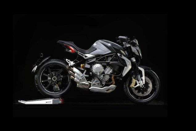 Official Photos of the MV Agusta Dragster 800 MV Agusta Dragster 800 635x425