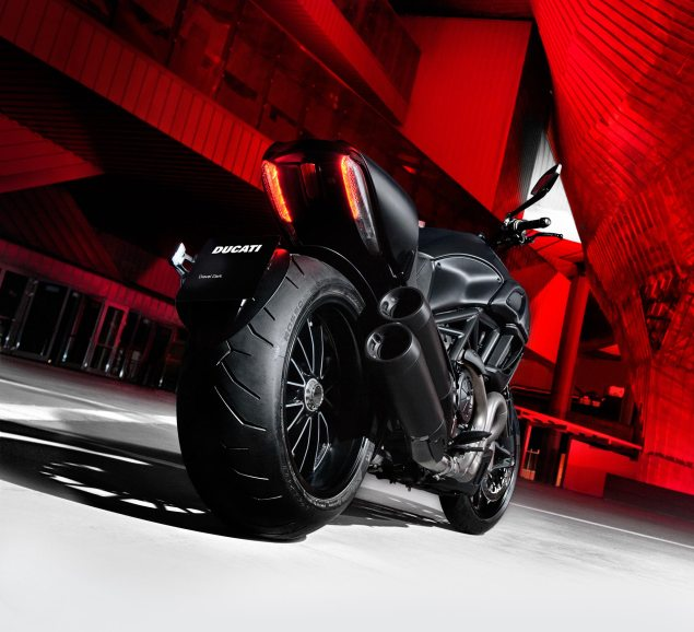 2013-ducati-diavel-dark
