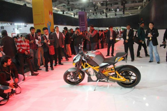 Hero Hastur 620 Concept   A Streetfighter with EBR Inside Hero Hastur 620 concept streetfighter 06 635x423