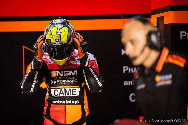 2014-MotoGP-Qatar-GP-Sunday-Scott-Jones-18