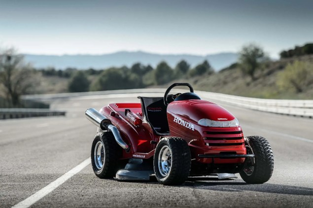 Honda Breaks World Record for Fastest Lawn Mower Honda HF2620 Mean Mower lawnmower land speed record 01 635x422
