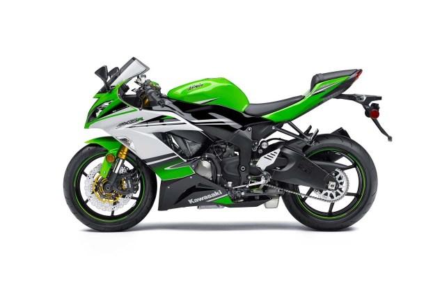 2015 Kawasaki Ninja ZX 6R 30th Anniversary Edition 2015 Kawasaki Ninja ZX 6R 30th Anniversary 12 635x425