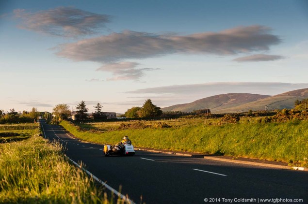 Cronk-y-Voddy-Straight-Isle-of-Man-TT-2014-Tony-Goldsmith-03