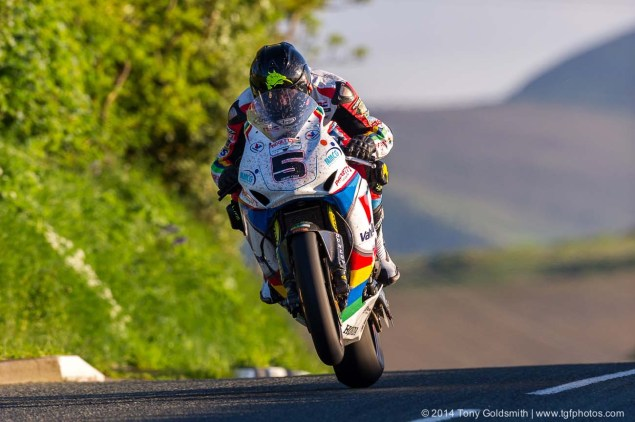 Bruce Anstey Sets New IOMTT Lap Record   132.298 MPH Cronk y Voddy Straight Isle of Man TT 2014 Tony Goldsmith 06 635x422