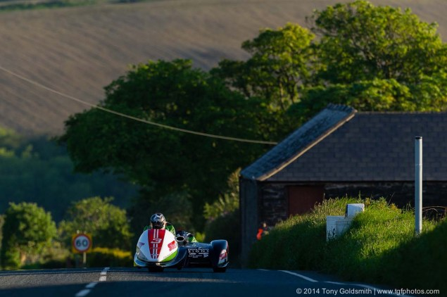 IOMTT: Cronk y Voddy with Tony Goldsmith Cronk y Voddy Straight Isle of Man TT 2014 Tony Goldsmith 08 635x422