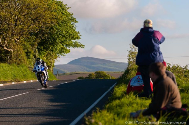 IOMTT: Cronk y Voddy with Tony Goldsmith Cronk y Voddy Straight Isle of Man TT 2014 Tony Goldsmith 11 635x422