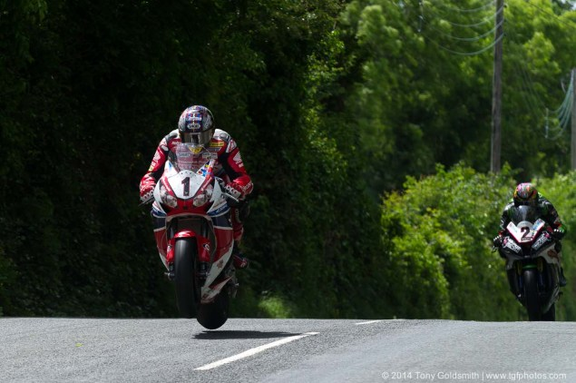 IOMTT: Ballaugh Bridge & Ballacrye with Tony Goldsmith 2014 Isle of Man TT Ballacrye Tony Goldsmith 02 635x422