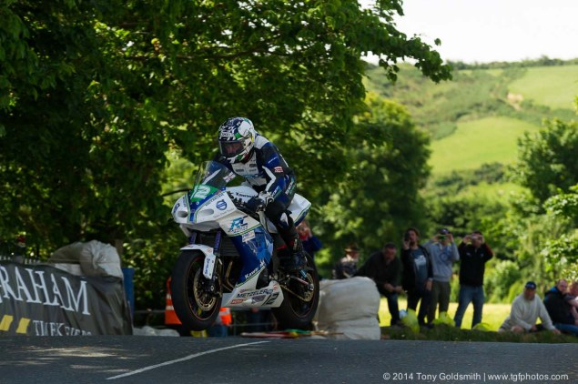 IOMTT: Ballaugh Bridge & Ballacrye with Tony Goldsmith 2014 Isle of Man TT Ballaugh Bridge Tony Goldsmith 01 635x422