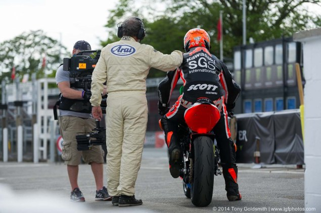 2014-Isle-of-Man-TT-Grandstand-Tony-Goldsmith-07