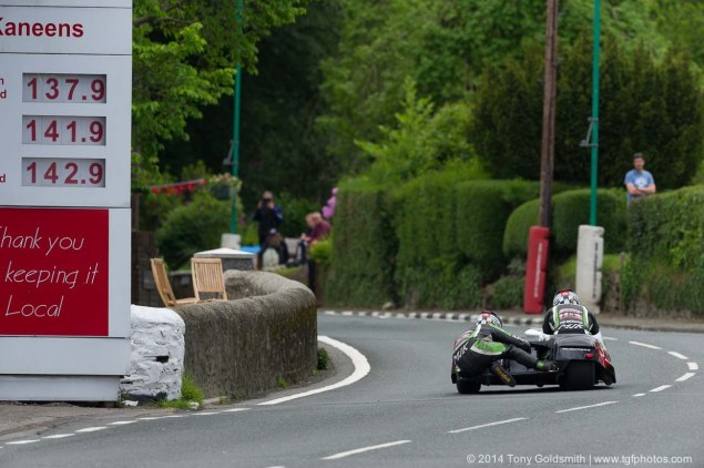 IOMTT: Union Mills & Grandstand with Tony Goldsmith 2014 Isle of Man TT Union Mills Tony Goldsmith 03 635x422