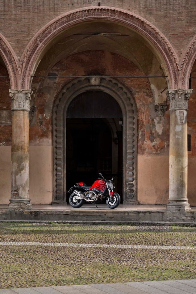 2015 Ducati Monster 821 Mega Gallery 2015 Ducati Monster 821 115 635x951