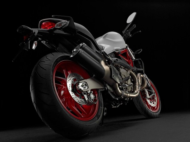 2015 Ducati Monster 821 Mega Gallery 2015 Ducati Monster 821 61 635x475