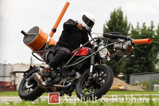 Spy Photos: Ducati Scrambler Caught Testing 2015 Ducati Scrambler testing spy photos 03 635x423