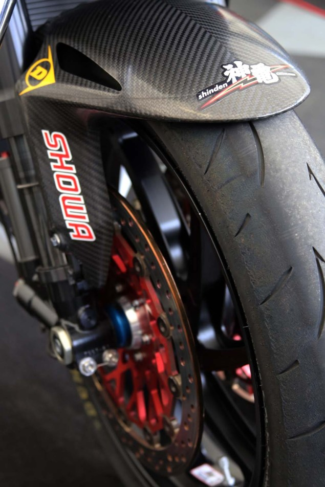 Up Close with the 2014 Mugen Shinden San (神電 参) Mugen Shinden San TT Zero Isle of Man TT Richard Mushet 18 635x952