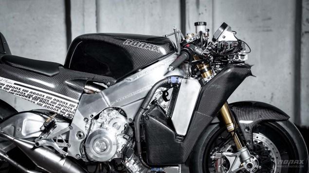 Ronax 500   Your Modern 500cc Two Stroke Track Bike Ronax 500 launch 08 635x357
