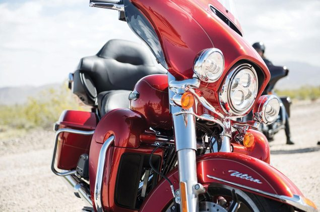 66,000+ Harley Davidsons Recalled for Front Wheel Lockup 2014 Harley Davidson FLHTCU Ultra Classic Electra Glide 635x422