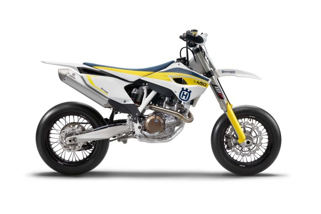 2015 Husqvarna FS 450   Husky Returns to Supermoto 2015 Husqvarna FS 450 02 635x423