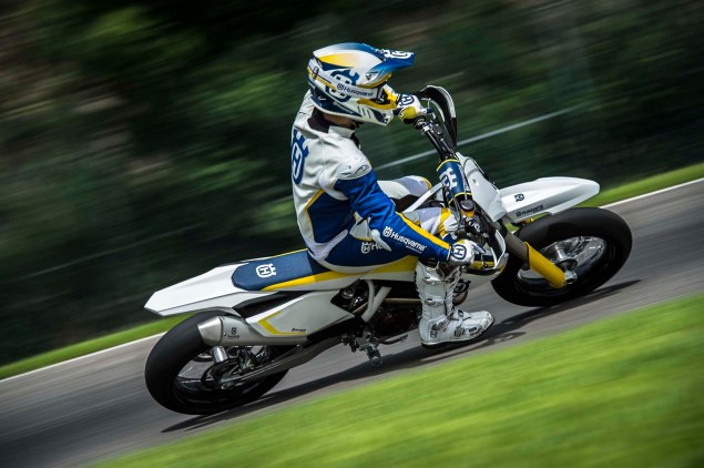 2015 Husqvarna FS 450   Husky Returns to Supermoto 2015 Husqvarna FS 450 action 08 635x422