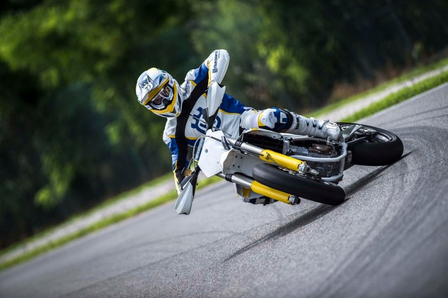 2015 Husqvarna FS 450   Husky Returns to Supermoto 2015 Husqvarna FS 450 action 15 635x422