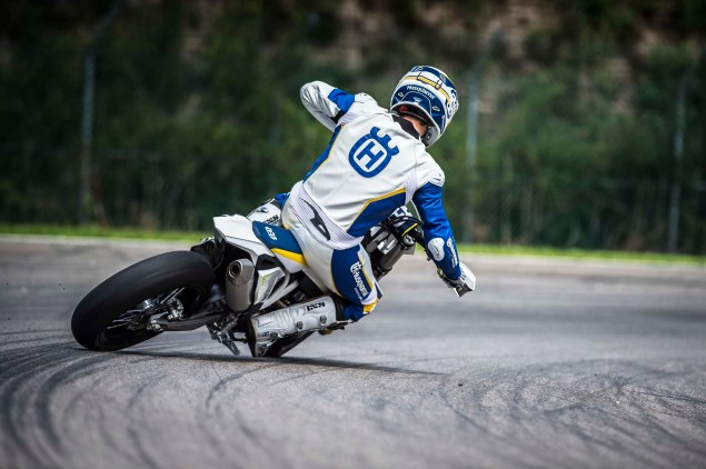 2015 Husqvarna FS 450   Husky Returns to Supermoto 2015 Husqvarna FS 450 action 17 635x422