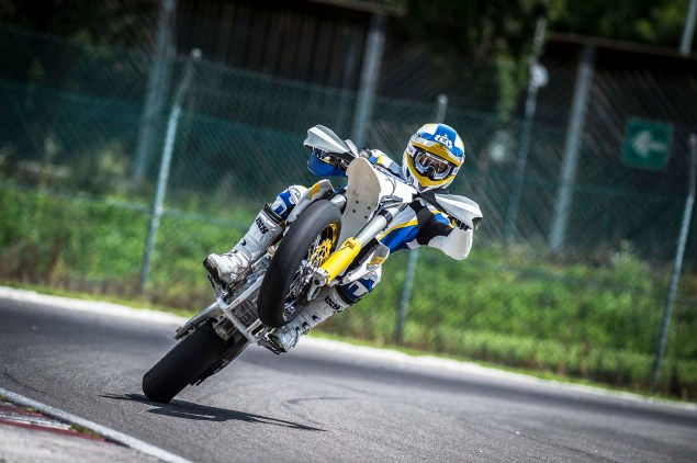 2015 Husqvarna FS 450   Husky Returns to Supermoto 2015 Husqvarna FS 450 action 23 635x422