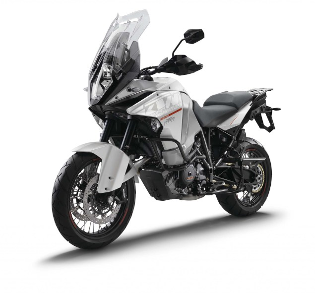 2015 KTM 1290 Super Adventure   Even with 180hp, Is This the Safest Motorcycle in the World? 2015 KTM 1290 Super Adventure 01 635x591
