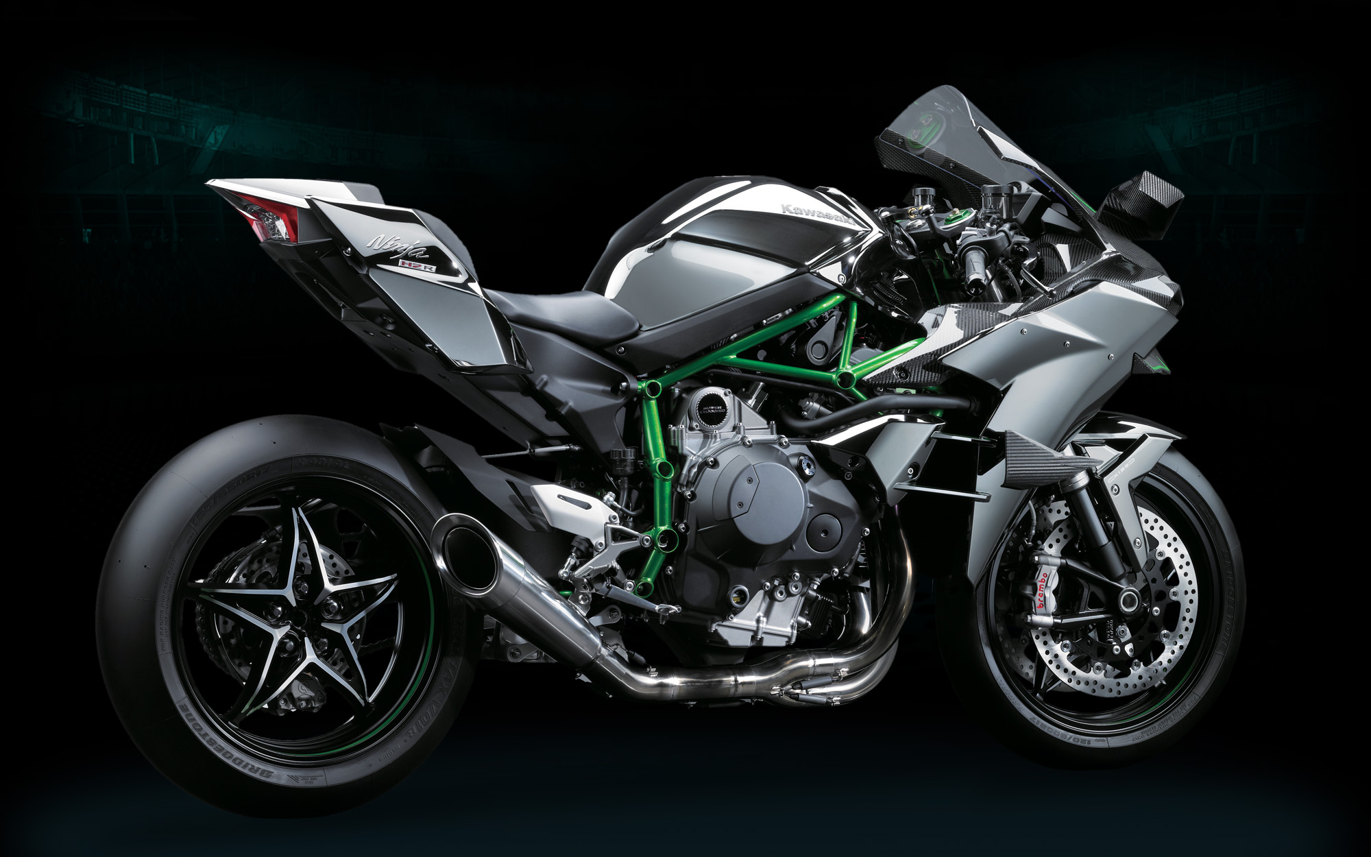 kawasaki ninja h2r officially 300hp of hyperbike asphalt rubber. Black Bedroom Furniture Sets. Home Design Ideas
