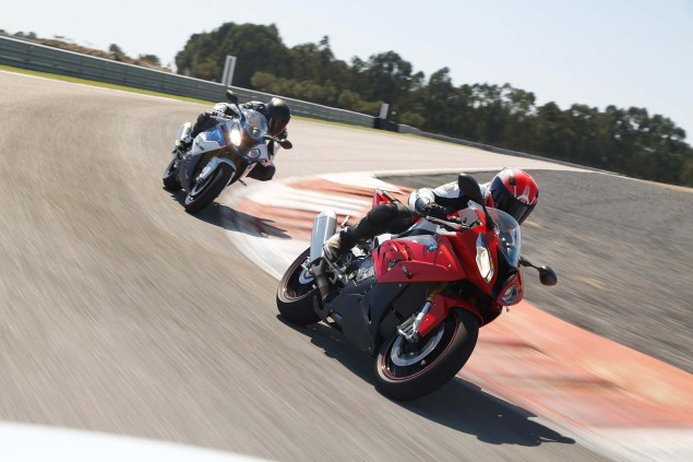 2015-BMW-S1000RR-action-44