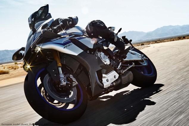 2015-Yamaha-YZF-R1M-20