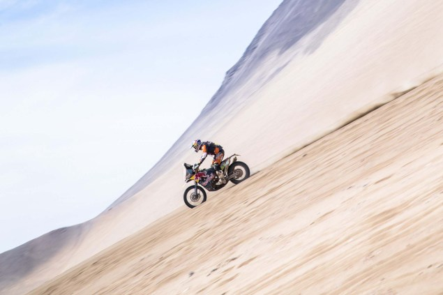 Marc-Coma-2015-Dakar-Rally-KTM-48
