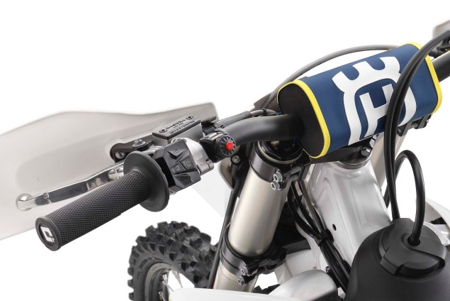 2017-Husqvarna-Motocross-traction-control-01