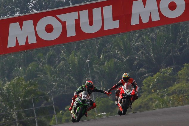 tom-sykes-chaz-davies-sepang-world-superbike