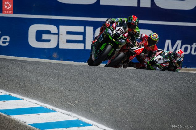 2016-WSBK-Laguna-Seca-Saturday-Race-1-Lap-1