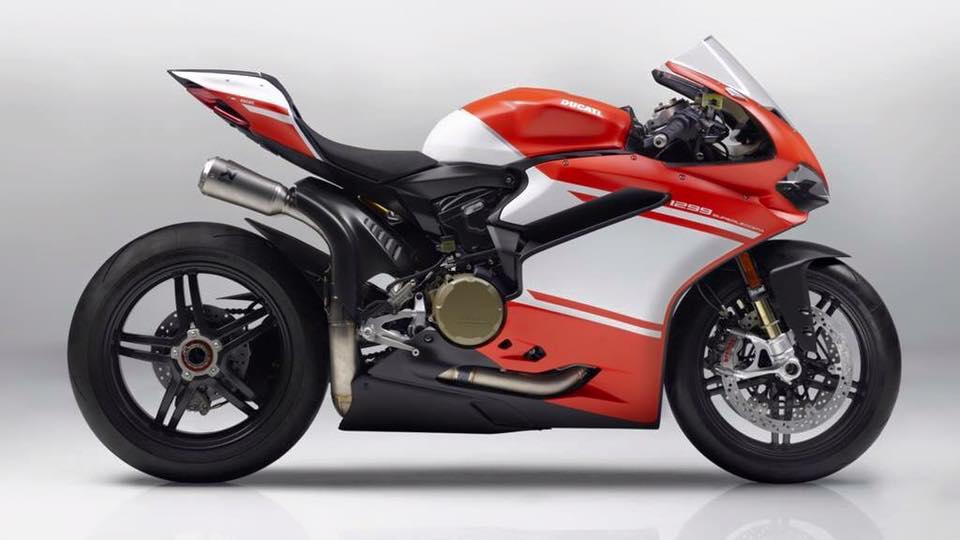 2017-Ducati-1299-Superleggera-1.jpg